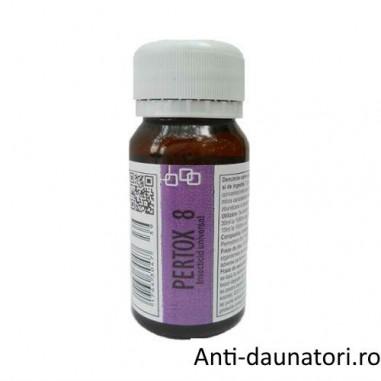 Substanta concentrata de culoare galbuie, anti muste ce acopera ~ 70 mp - Pertox 8 - 50 ml